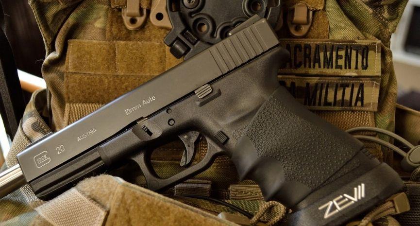 best 10mm pistols feature image